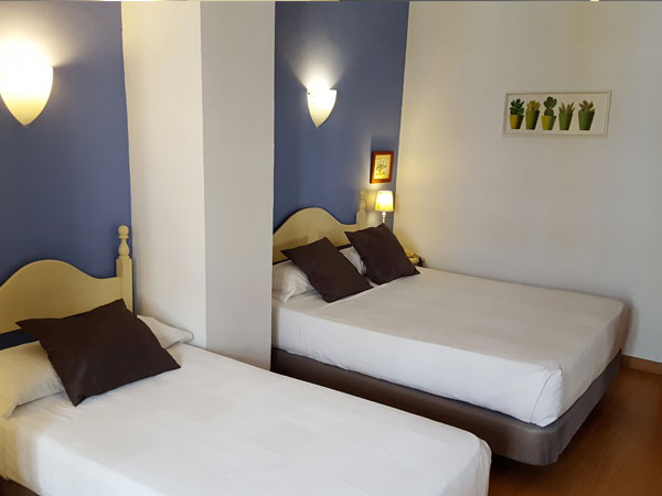 Single Room - Hotel Londres
